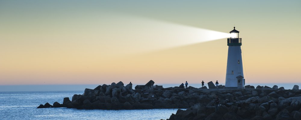 How the Light from Lighthouses can be seen Miles Away? » Science ABC