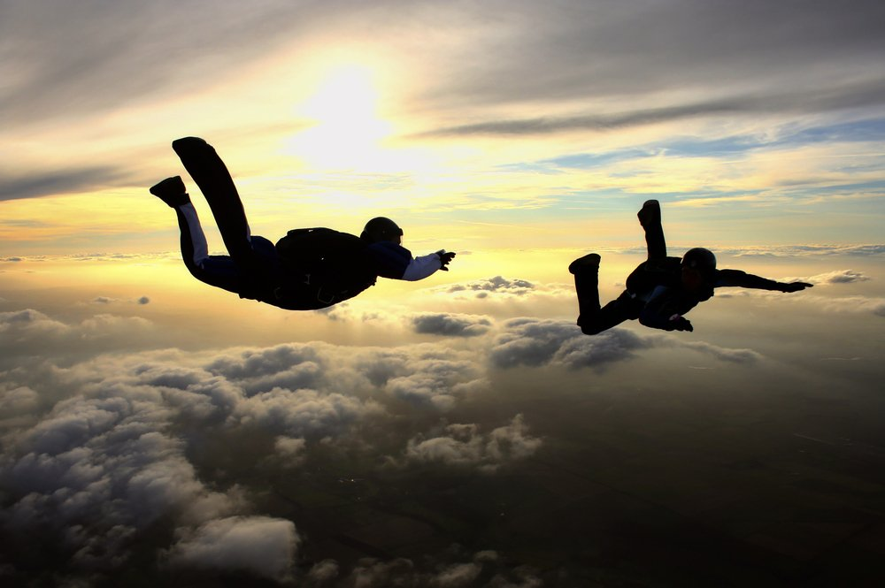 How fast can you fall while skydiving » Science ABC