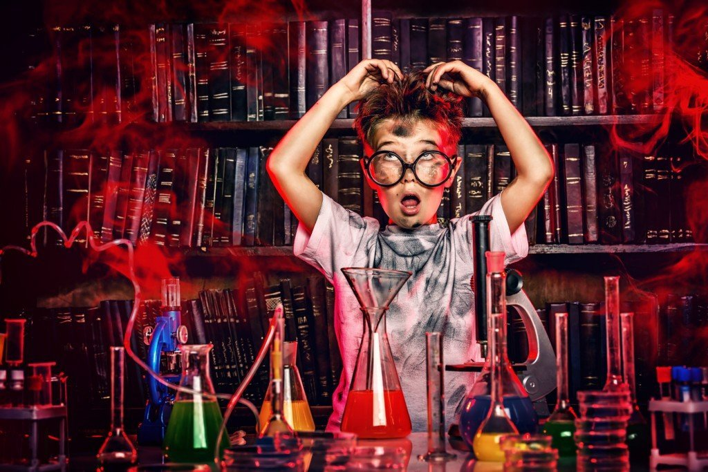 8 Weird Science Experiments That Will Make You Bite Your