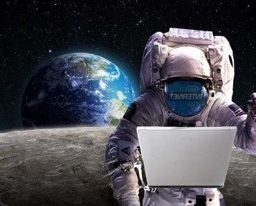 Internet astronaut