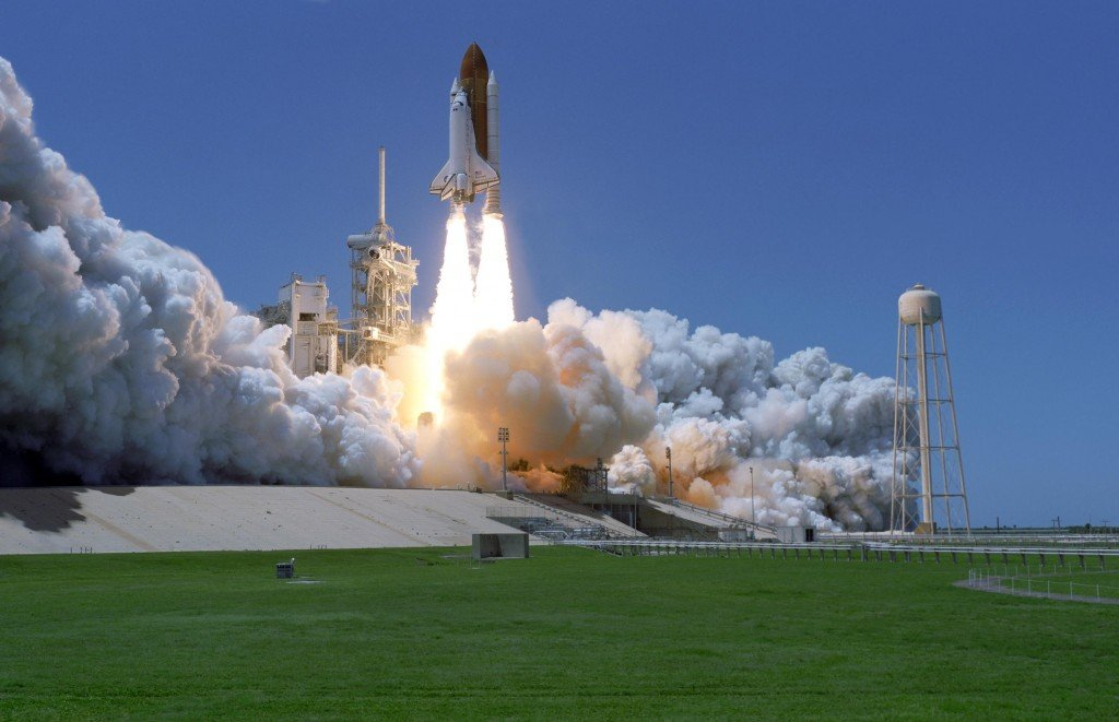 Why Don't Space Shuttles Take Off Like Airplanes