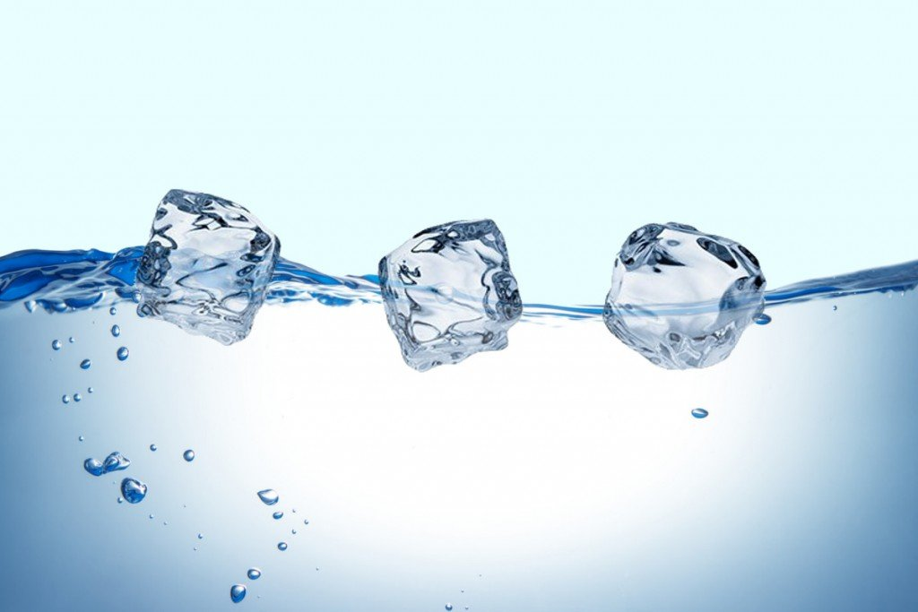 Ice Cubes Floating In Water Www Pixshark Com Images