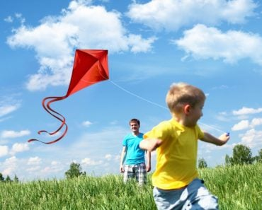 Kite flying boy game