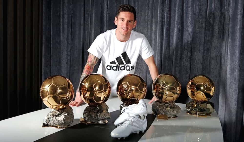 Messi 5 Ballon d'Or awards