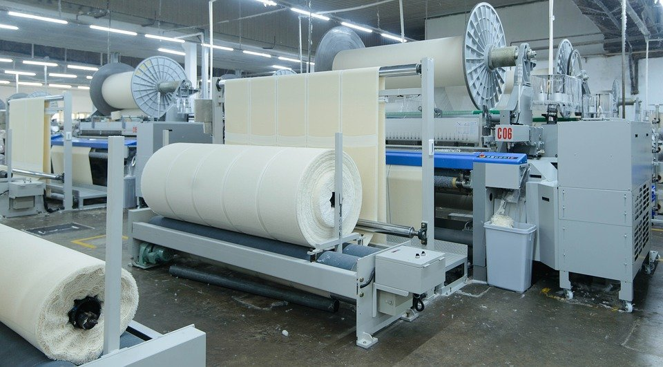 paper machine with roll