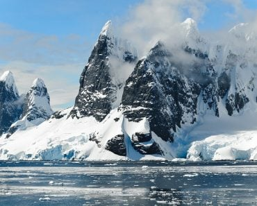 Mountains ice bergs antarctica berg