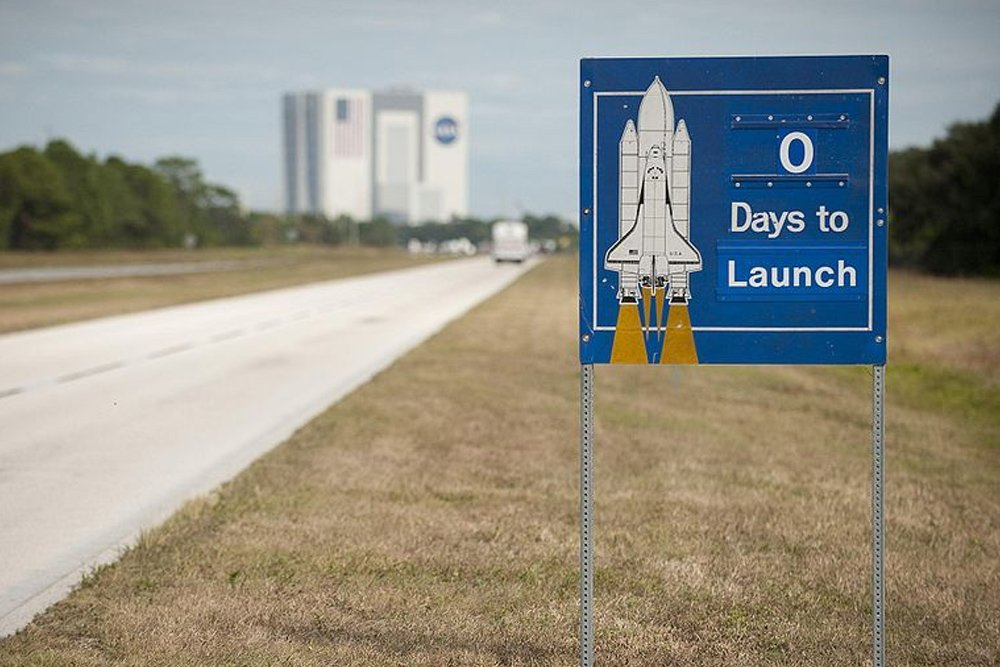launch count down sign