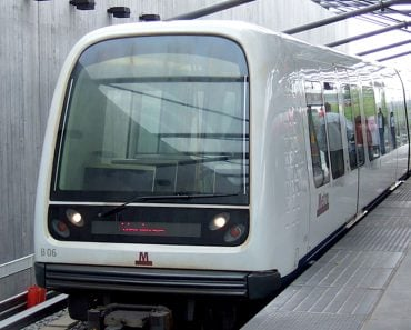 driver less metro train
