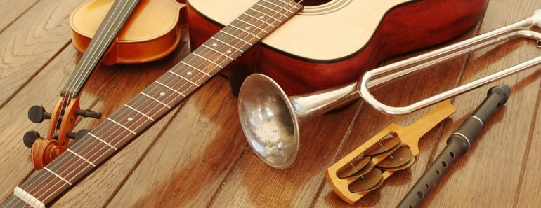 Guitar, trumpet, violin and music instruments - Image(Zheltyshev)s