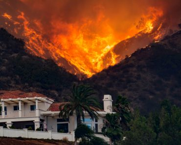 Holly Fire California House threatened - Image(streetphotog66)S