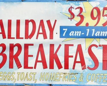 misleading advertisement-ALLDAY breakfast 7 am- 11am - Image( MARGRIT HIRSCH)s