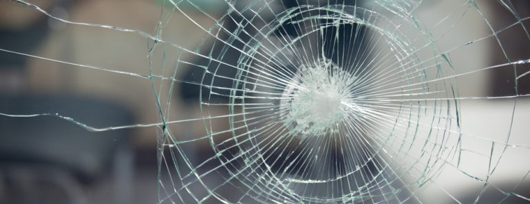 Broken glass for background pattern(Sthaporn Kamlanghan)S