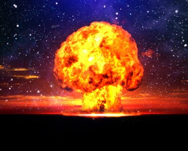 Nuclear explosion in an outdoor setting(curraheeshutter)S11