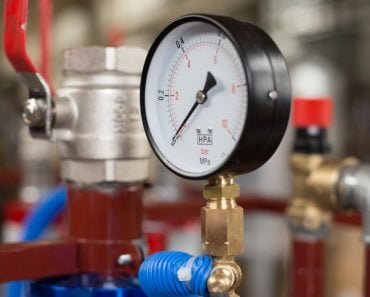 pressure gauges, thermometers and fittings for industrial use(Robert Sieminski)S