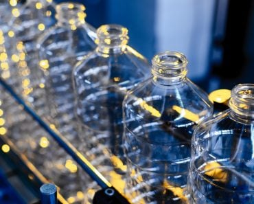 Bottle. Industrial production of plastic pet bottles(Salov Evgeniy)S