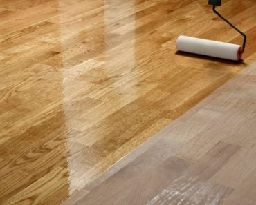 Lacquering wood floors(photographerstudio)s