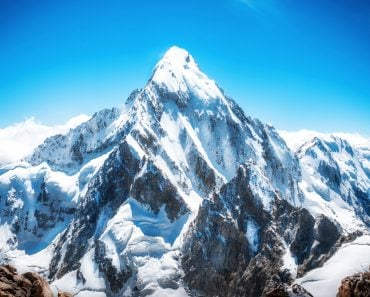 Mountain peak. Everest. National Park(Vixit)s