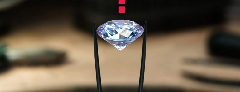Beautiful diamond stone in tongs(Luibov Luganskaia)s