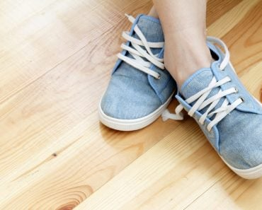 Textile,Breathable,Shoes,With,Laces,Are,Ideal,For,Sports