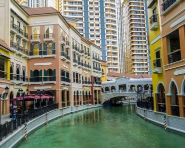 water-city-cityscape-cityscape-colorful-colorful-canal-canal-venice-philippines-vibrant-vibrant_t20_7J6W77