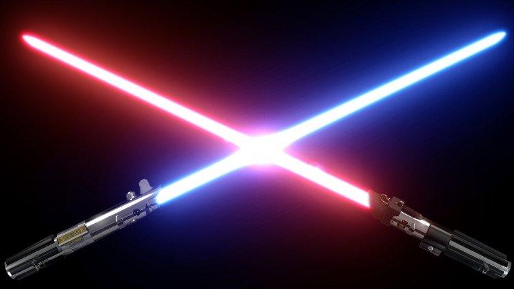 lightsabers-clash-750x421