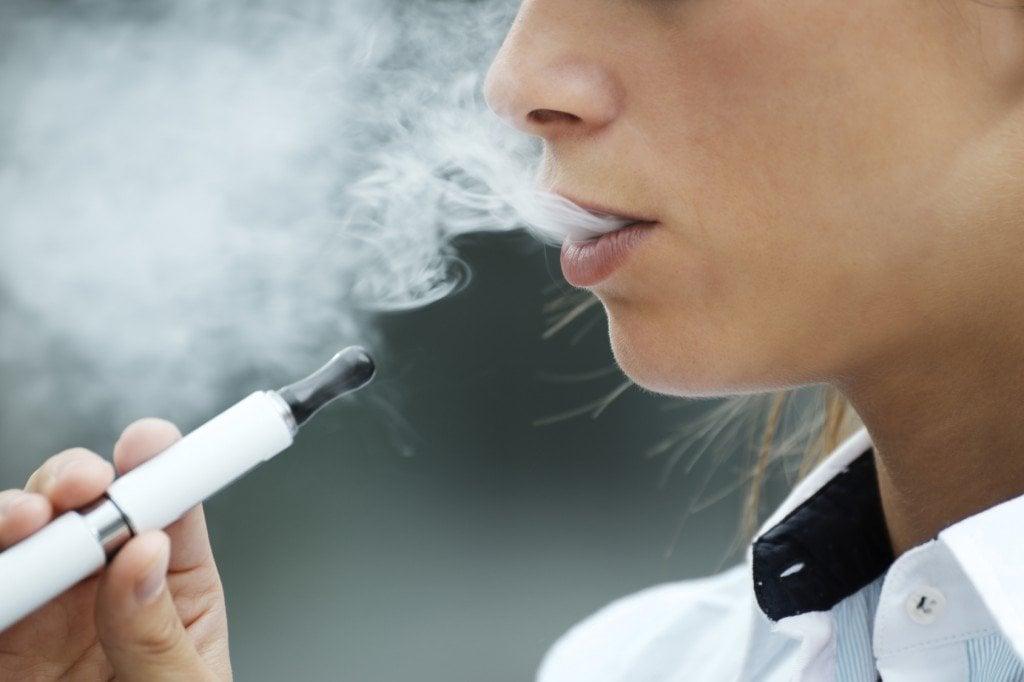 E-cigarette Smoking (Photo Credit: diego cervo / Fotolia)