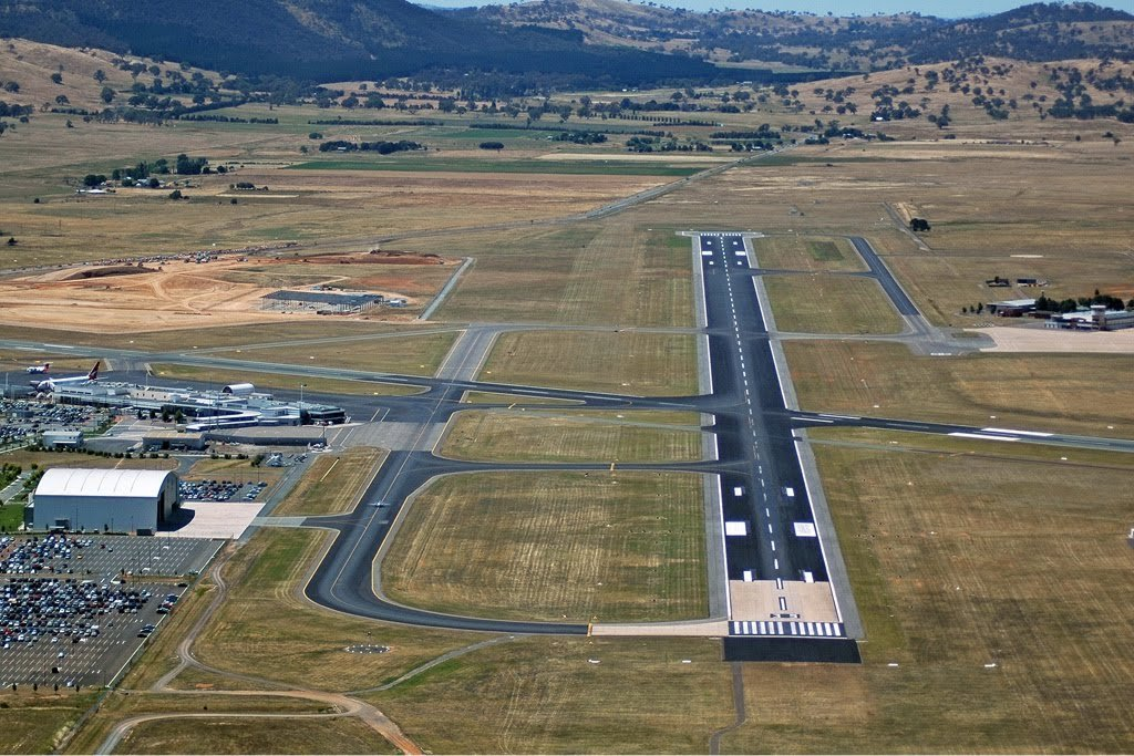 canberra airport runway