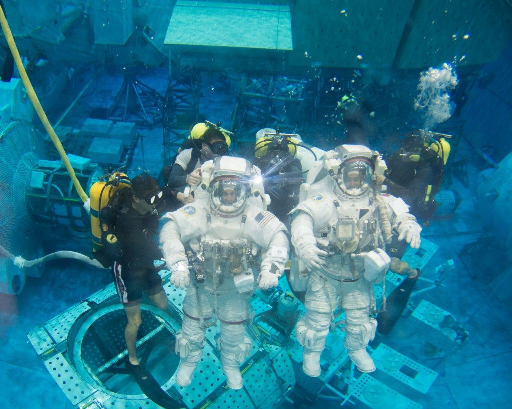 edu_neutral_buoyancy_large