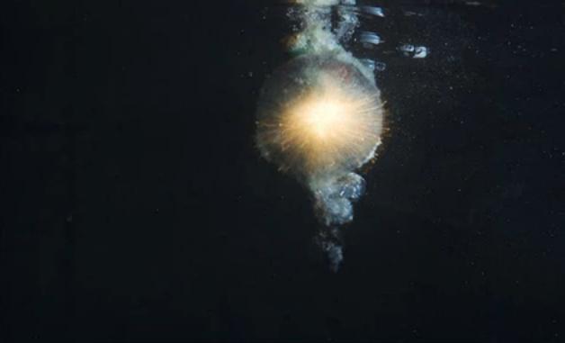 firecracker_explosion_underwater_by_darknessthebat123-d6c1qmy
