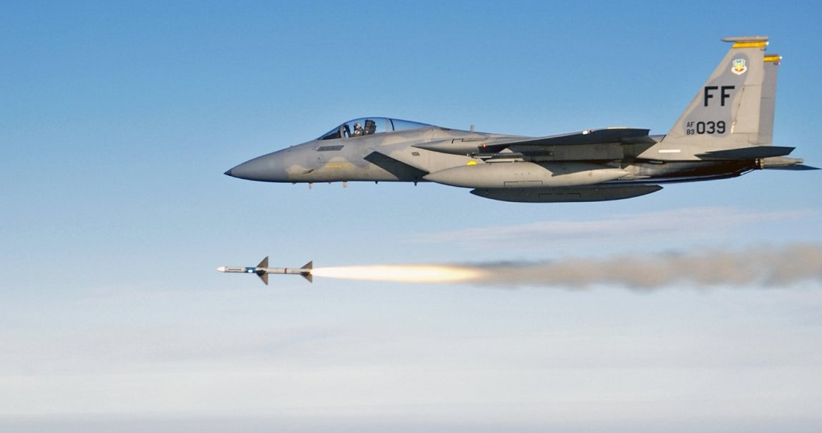 air to air missile aircraft