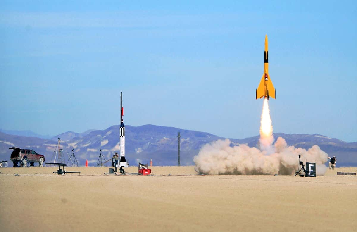 A high-power rocket launch using an APCP motor