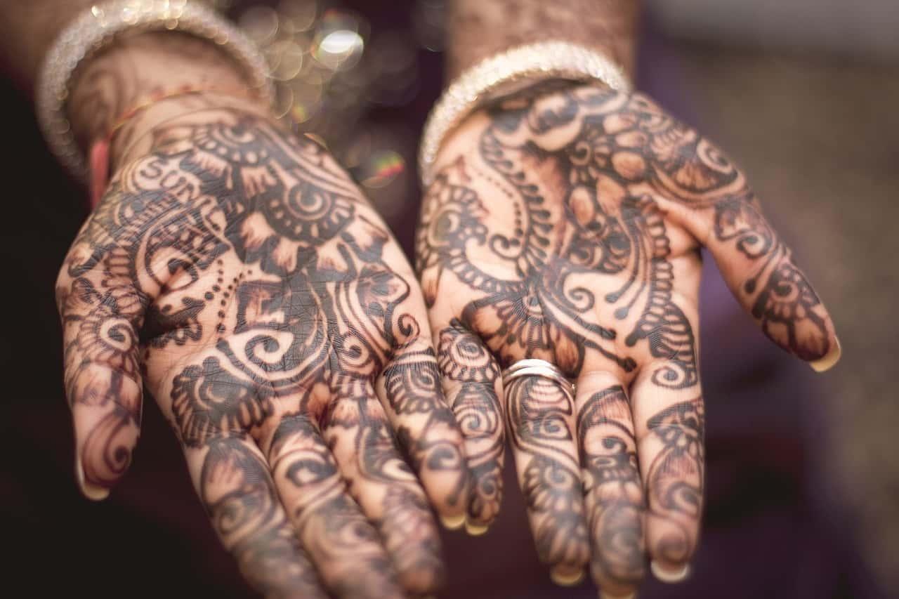 Mehendi on girl's palms