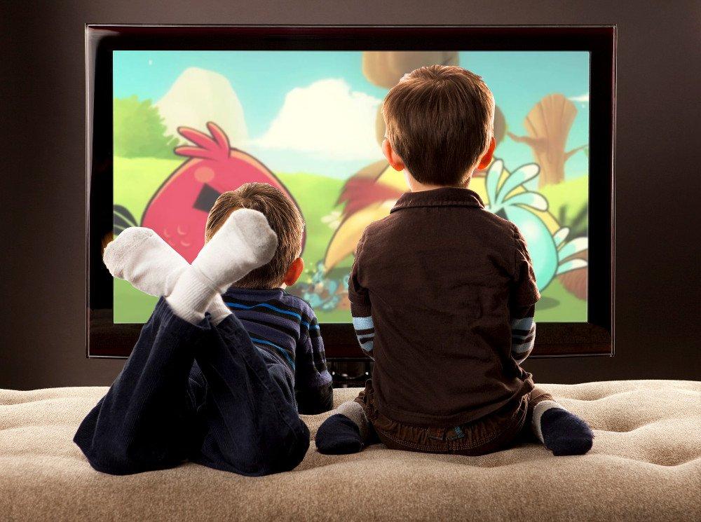 Childrans watching tv