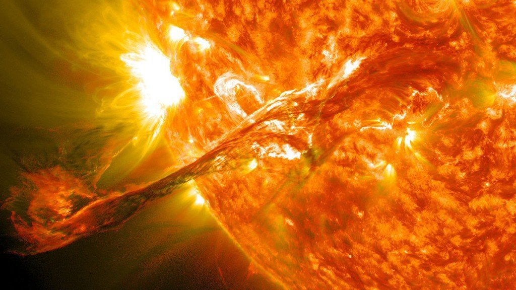 Sun flare Sun's atmosphere, the corona, erupted out into space