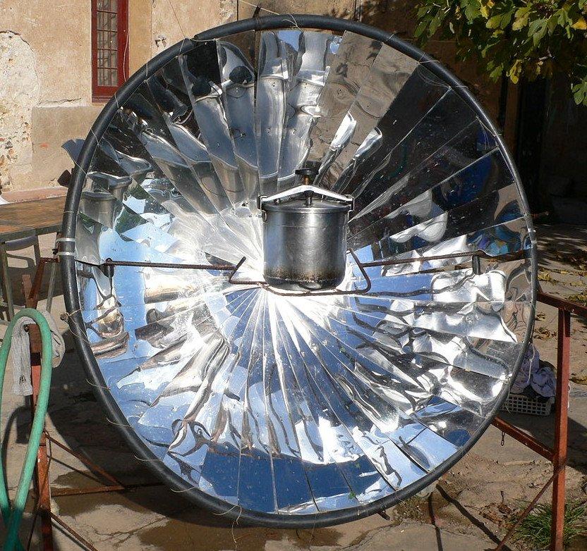 Solar autoclave