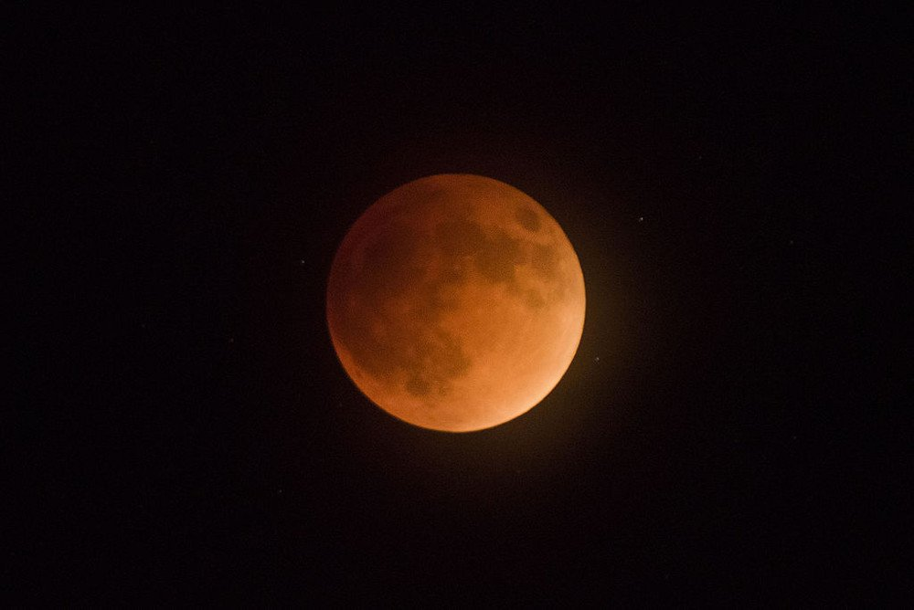 Super Blood Moon; lunar eclipse of full moon at perigee; 9-27-15