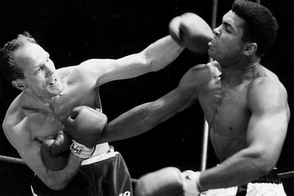 Muhammed Ali vs Henry Cooper boxing fight