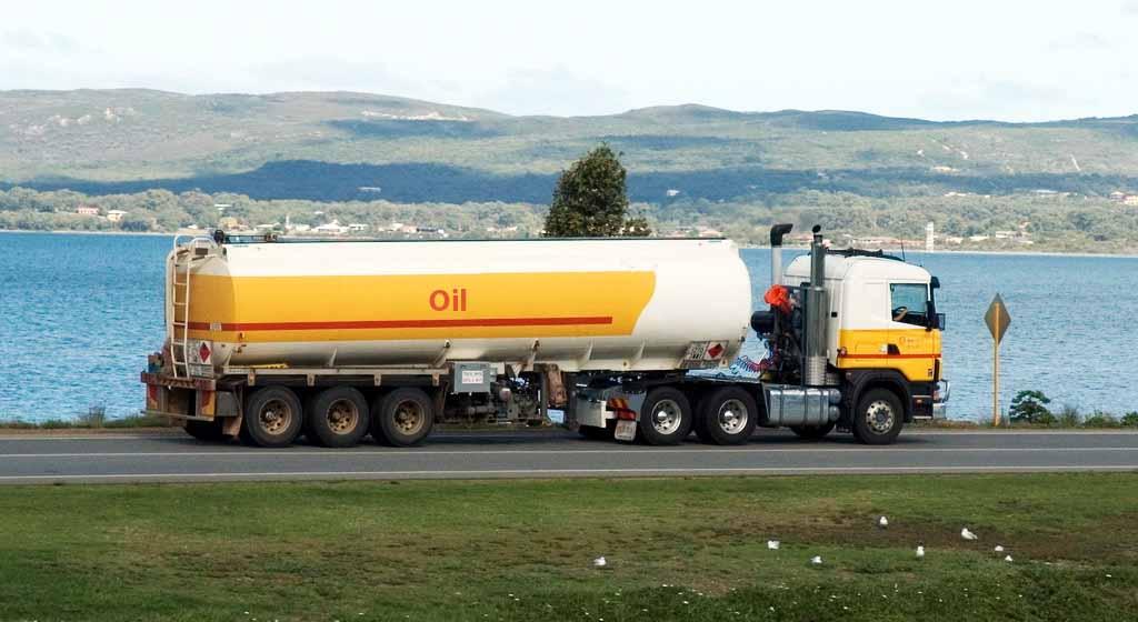 Cylindrical oil tanker truck