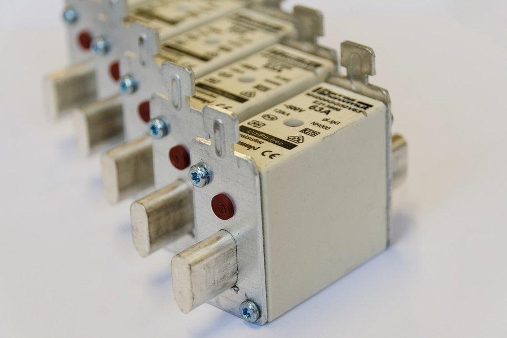 many fuses