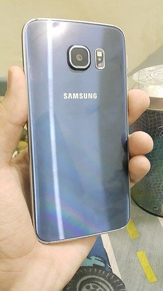 Samsung_Galaxy_S6_Edge_Back_Side