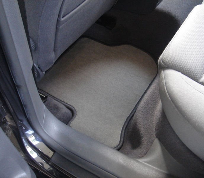 Car mats fitted