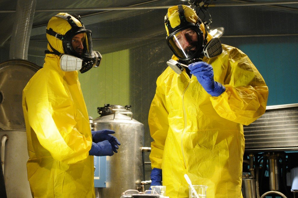 walter-white-yellow-hazmat-meth-cook-suit