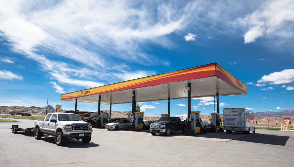 UTAH,USA - APRIL 6, 2019 Love's gas station in summer - Image(Nuk2013)s