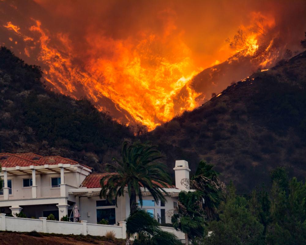 Holly Fire California House threatened - Image(streetphotog66)S