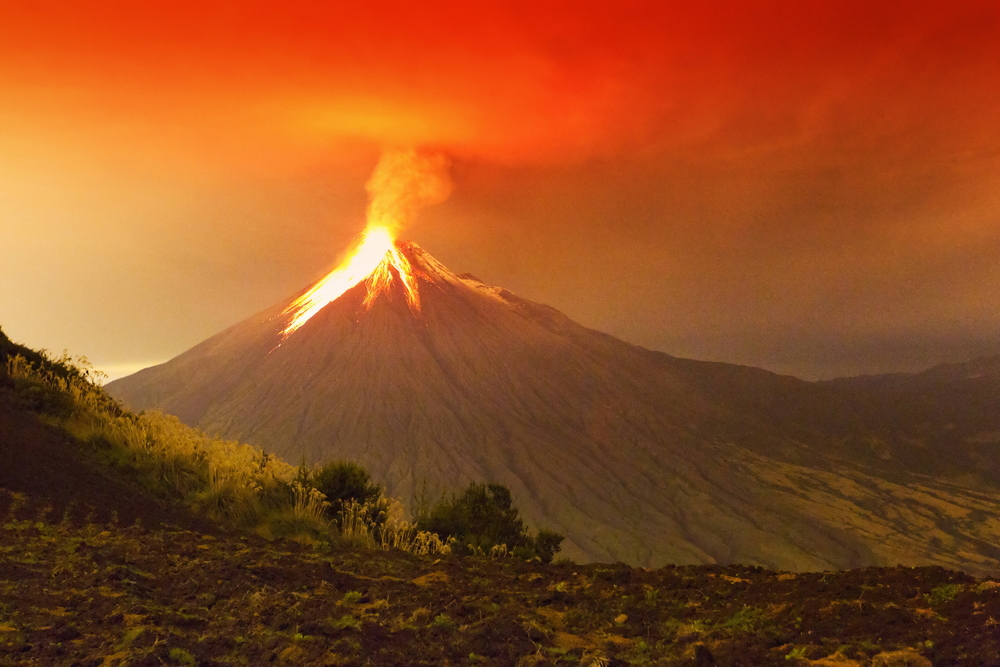 Long Exposure Of Tungurahua Volcano Exploding In The Night Of 29 11 2011(Ammit Jack)s