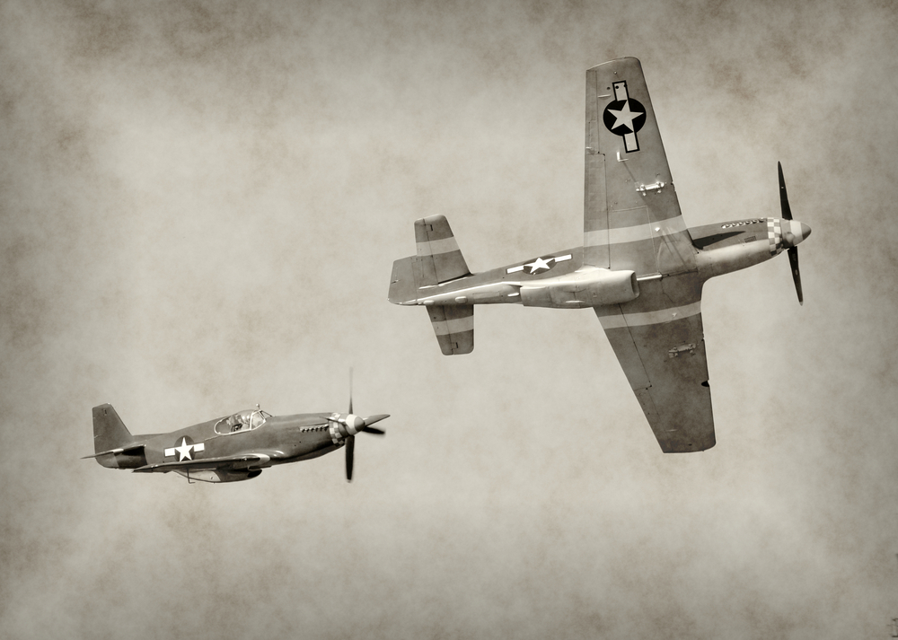 World War II fighter airplanes in flight - Image( Ivan Cholakov)s