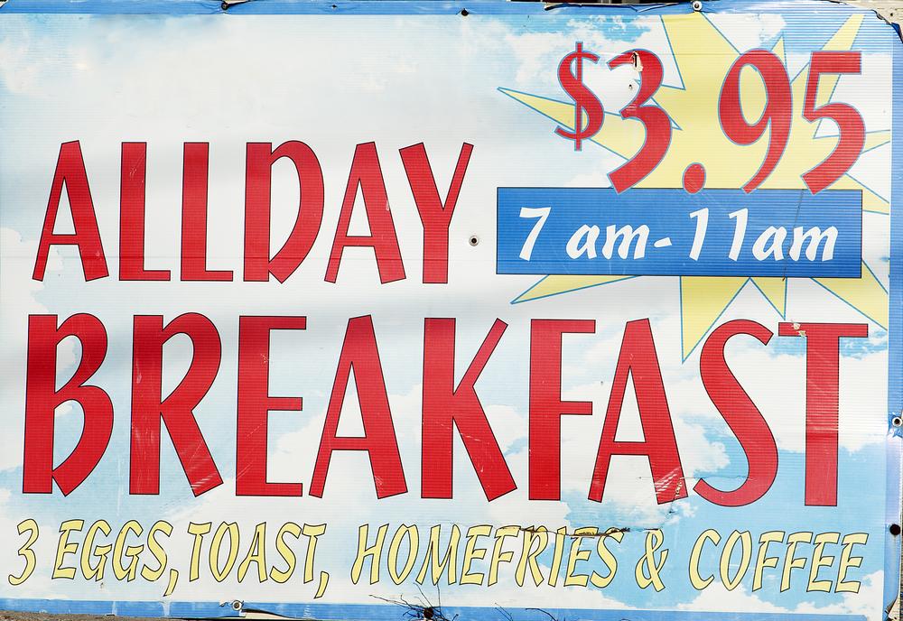 misleading advertisement-ALLDAY breakfast 7 am- 11am - Image( MARGRIT HIRSCH)s