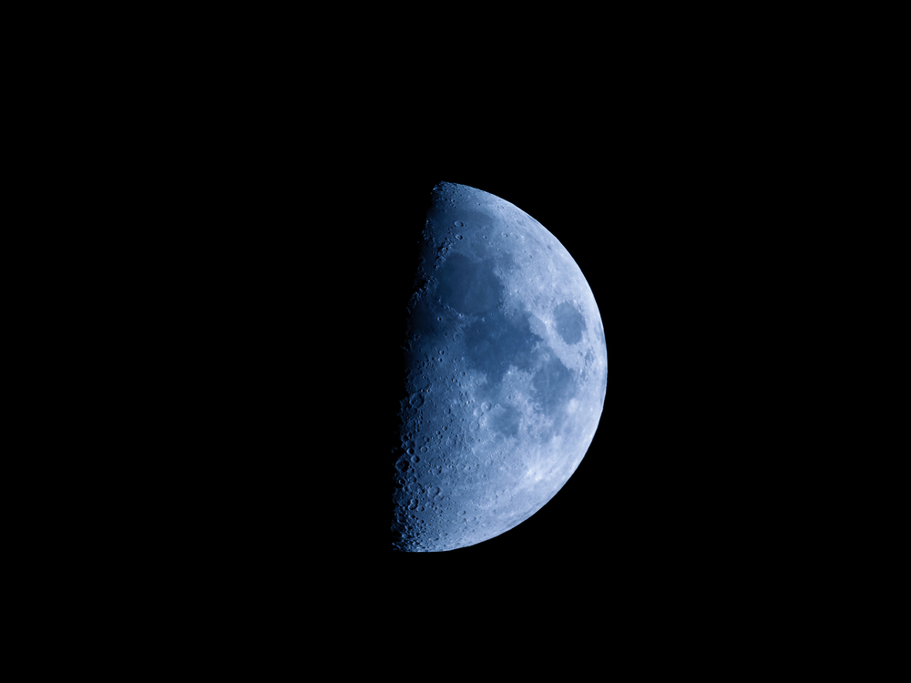 First quarter moon seen with an astronomical telescope( Claudio Divizia)s