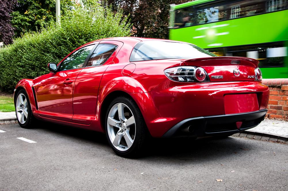 The Mazda RX-8 uses a Wankel (Rotary) Engine(joeborg)s