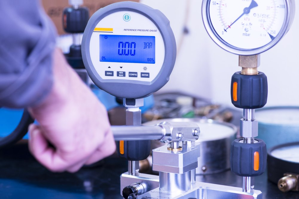 Digital pressure gauge to be calibrated(florin oprea)s